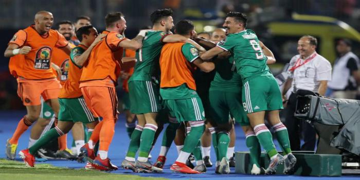 صورة فريق إيطالي ينهي تفاصيل تعاقده مع نجم الجزائر