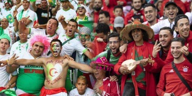"""صورة بادرة متميزة للجماهير المغربية والجزائرية بــ""""كان مصر"""""""