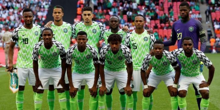 """صورة لاعبو منتخب نيجيريا يهددون بالانسحاب من """"الكان"""""""