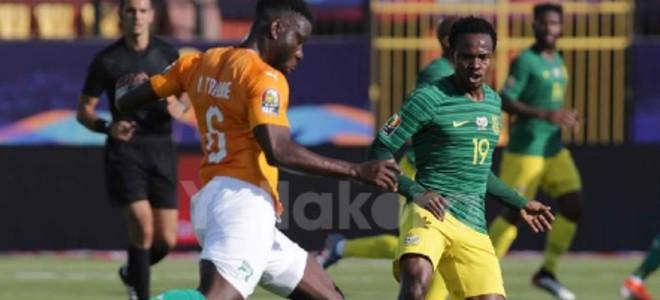 صورة لاعب جنوب إفريقيا يطالب بدعم بلاده قبل مواجهة المغرب