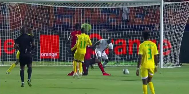 صورة التعادل يخيم على مباراة أوغندا وزيمبابوي- فيديو