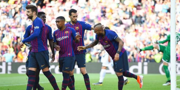 صورة نجم برشلونة يثير الجدل عقب ظهوره بقميص فلامينغو