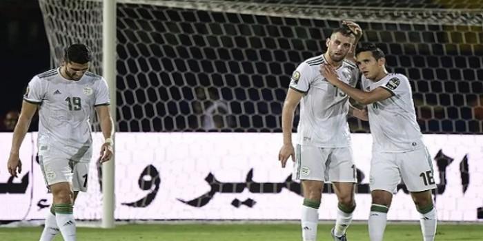 صورة على خطى المغرب ومصر المنتخب الجزائري بالعلامة الكاملة لدور الثمن