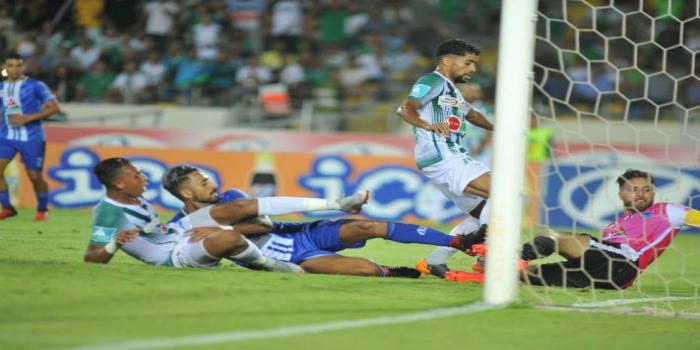 """صورة """"فيفا برو"""" تنصح اللاعبين بعدم الانضمام إلى فريق مغربي"""