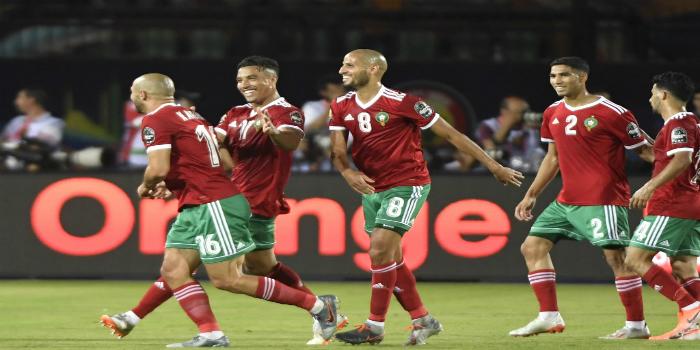 Photo of درار يساند المنتخب الجزائري أمام تانزانيا