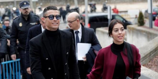 صورة أجواء السعادة تسيطر على عائلة كريستيانو رونالدو