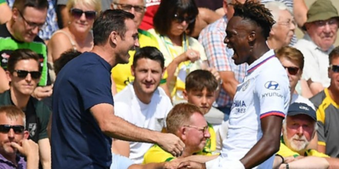 صورة توتنهام وتشيلسي يصححان مسارهما في الدوري الإنجليزي