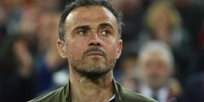 صورة مدرب برشلونة السابق يعلن وفاة ابنته
