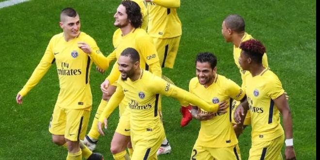 """صورة باريس سان جيرمان يغرم لاعبيه بسبب """"الشيشة"""""""