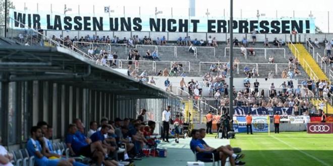 Photo of فضيحة عنصرية جديدة تهز نادي كيمنتس الألماني لكرة القدم