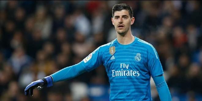 صورة كورتوا ينتفض في وجه منتقديه بعد ديربي مدريد