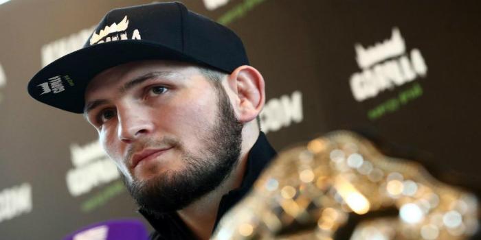 "Photo of حبيب نور محمدوف ينتصر على خصمه الأمريكي ويفوز ببطولة ""UFC""- فيديو"