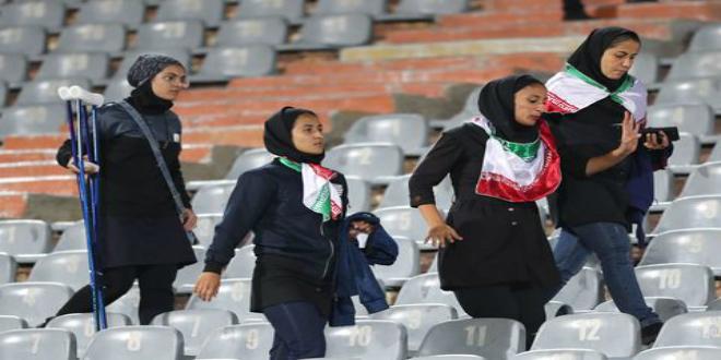 صورة إيرانية تنتحر بعد منعها من دخول ملعب لكرة القدم