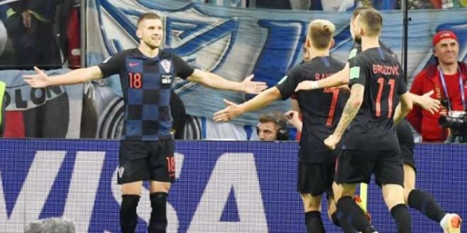 صورة رسميا ميلان الإيطالي يتعاقد مع نجم المنتخب الكرواتي