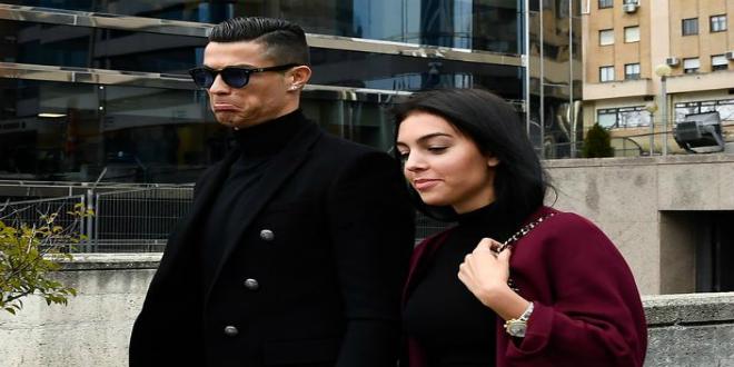 صورة رونالدو يمهد للإعلان عن موعد زواجه بجورجينيا