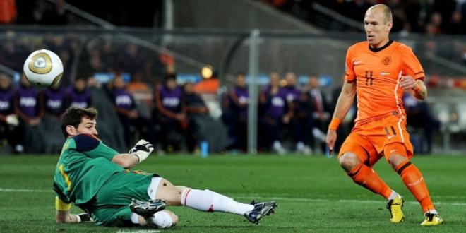 """صورة ريان بابل: """"روبن وشنايدر سبب خسارة هولندا لقب مونديال 2010"""""""