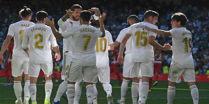 """صورة ريال مدريد ينتصر برباعية على غرناطة ويعزز صدارته لترتيب """"ليغا""""-فيديو"""