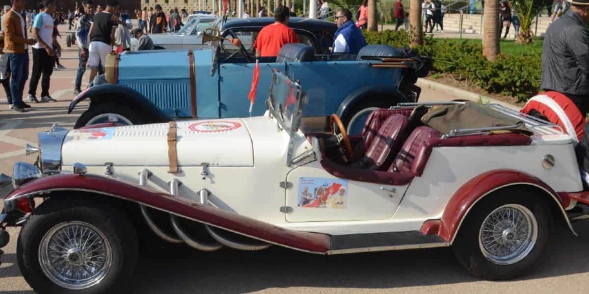 صورة 40 سيارة عتيقة في جولة استعراضية بمعرض الفرس بالجديدة