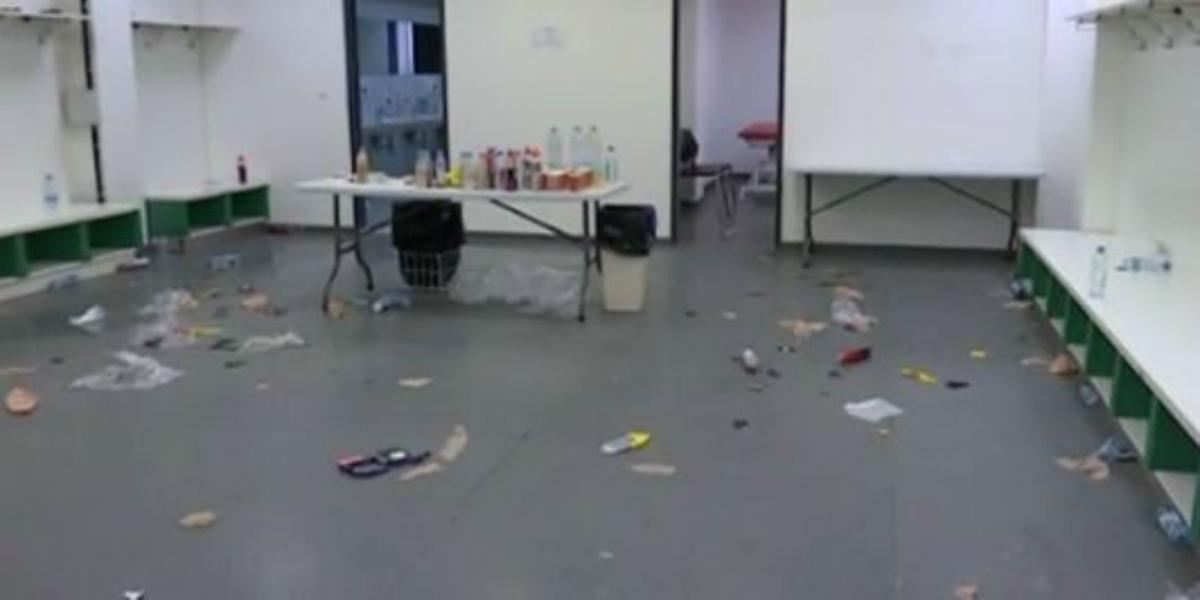 صورة بعد لقاء سلافيا براغ.. برشلونة يترك غرفة تغيير ملابسه في فوضى عارمة- صور