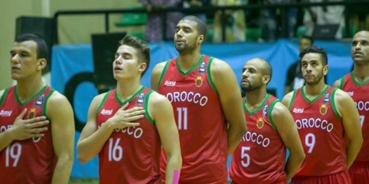 صورة لاعبو كرة السلة الوطنية يحتجون على وضع اللعبة في ندوة صحفية