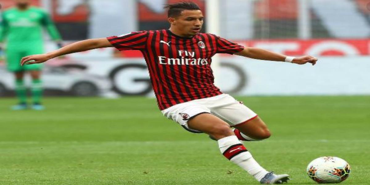 صورة لاعب عربي مرشح لمجاورة إسماعيل بن ناصر في ميلان