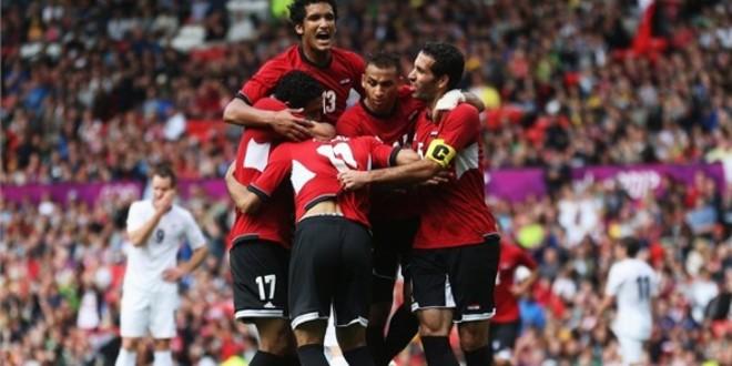 """صورة في بادرة إنسانية نجم الكرة المصرية ينخرط في حملة دعم مشجع الرجاء """"سيمو"""""""