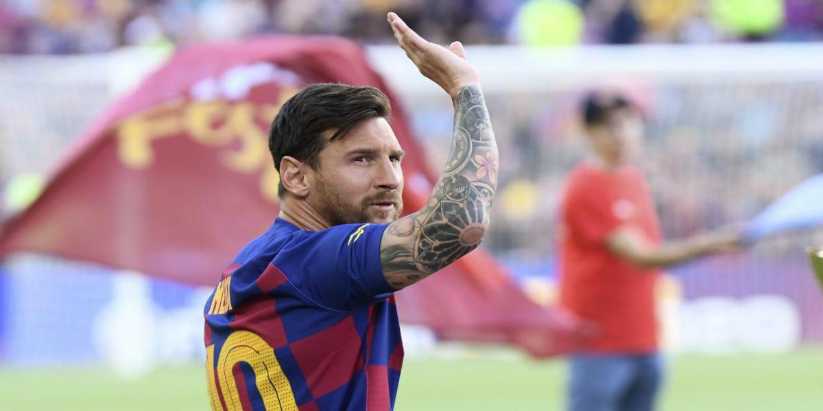 صورة ميسي يوافق على تمديد عقده مع برشلونة