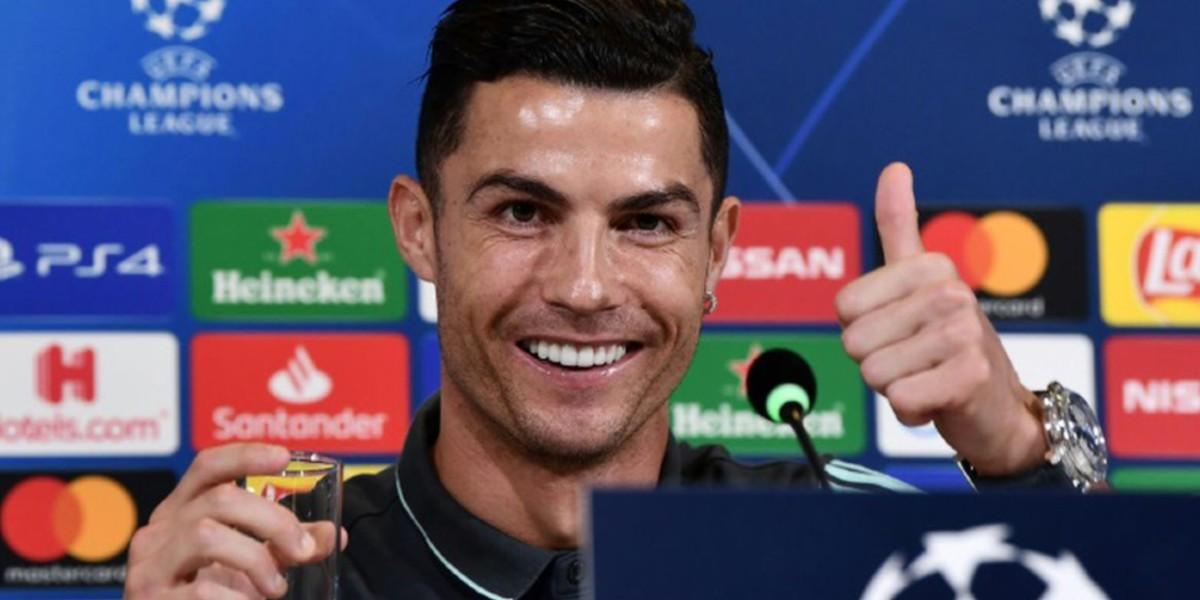 """صورة رونالدو يدخل نادي """"المليار"""" في فئة الرياضيين"""