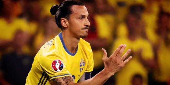 صورة إبراهيموفيتش يتهم هذا المدرب بالعنصرية تجاه لاعبيه