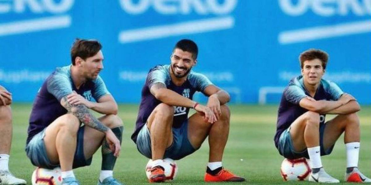 صورة أياكس يجهز عرضا للظفر بخدمات لاعب برشلونة