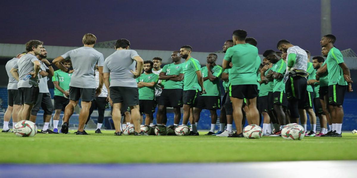 صورة رونار يقود السعودية للتعادل أمام الباراغواي