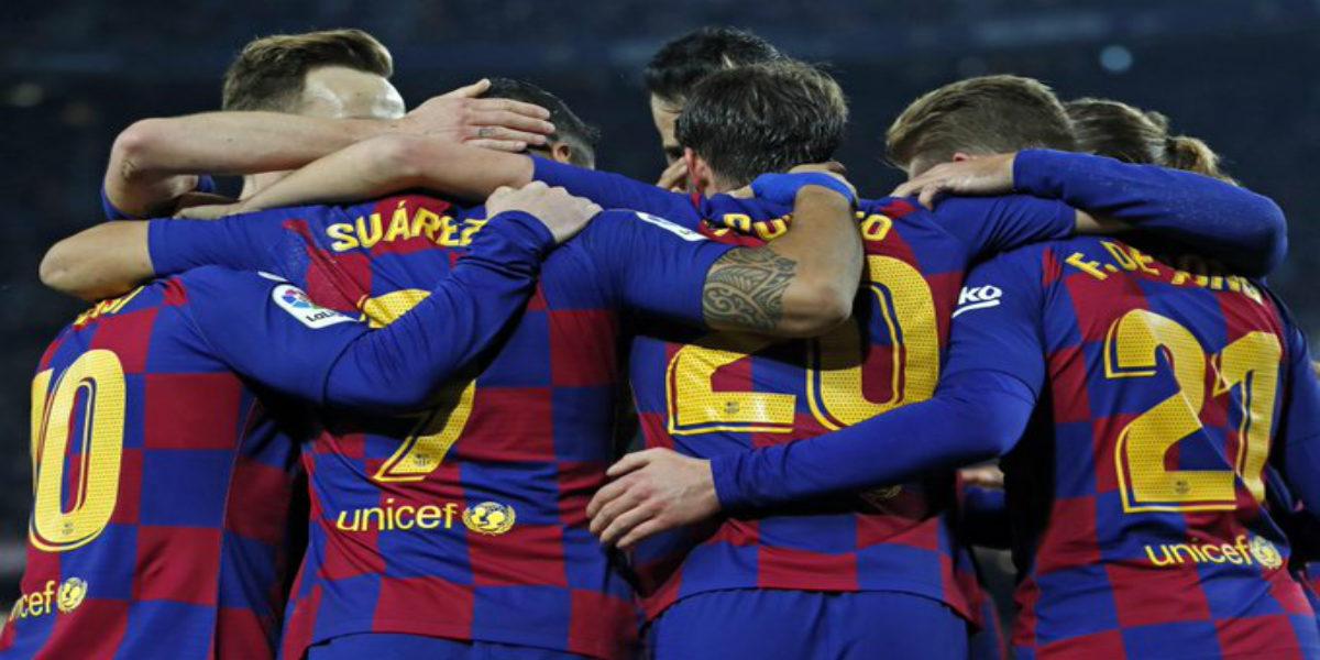 صورة مفاجآت في تشكيلة برشلونة الأساسية أمام ألافيس