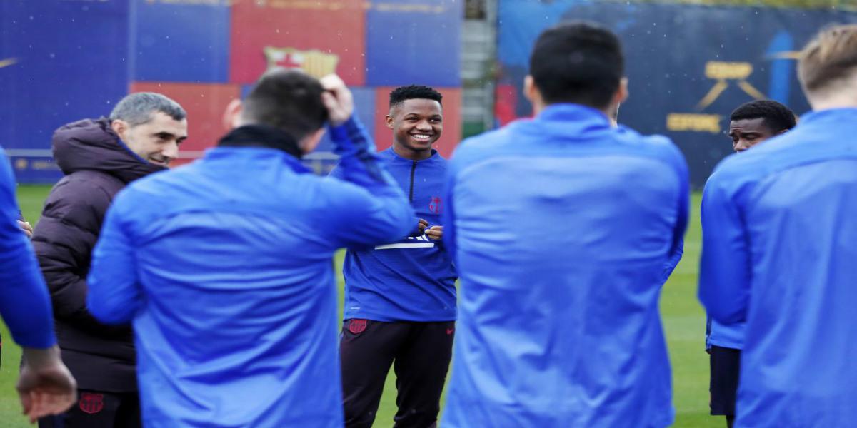 صورة لاعبان ينضافان إلى قائمة غيابة برشلونة أمام ريال مايوركا