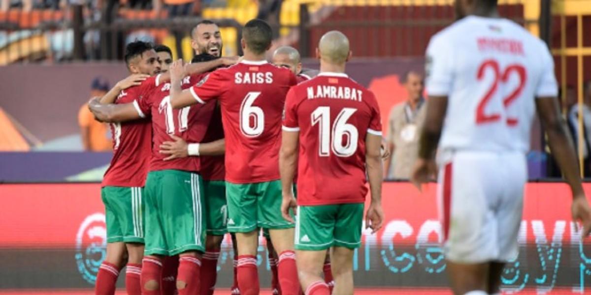 """صورة ثلاثي مغربي ضمن قائمة """"فرانس فوتبول"""" لأفضل لاعب مغاربي"""