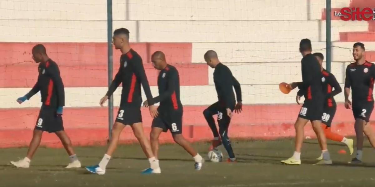 صورة الوداد يخضع ثلاث لاعبين أجانب للتجربة