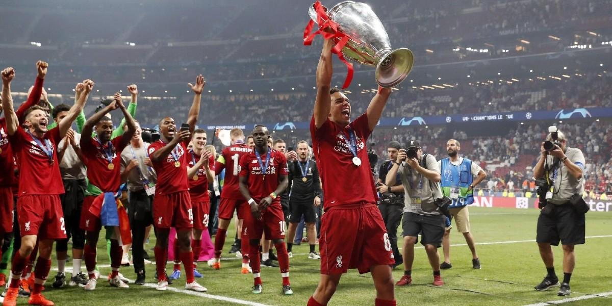 صورة نجم ليفربول يتوج بجائزة لاعب الشهر في البريمرليغ
