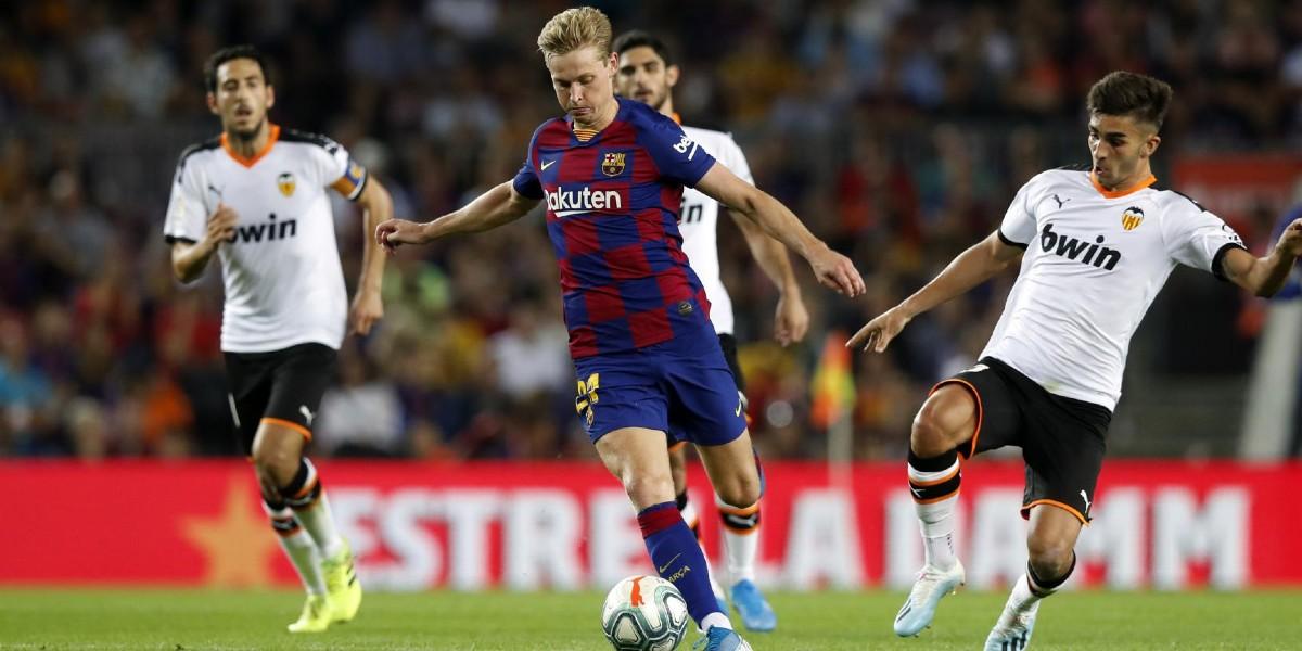 صورة غياب تام للاعبي برشلونة عن التشكيلة المثالية لليغا