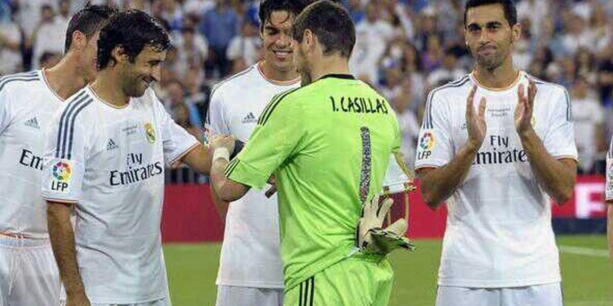 صورة كاسياس في طريقه للعودة إلى ريال مدريد
