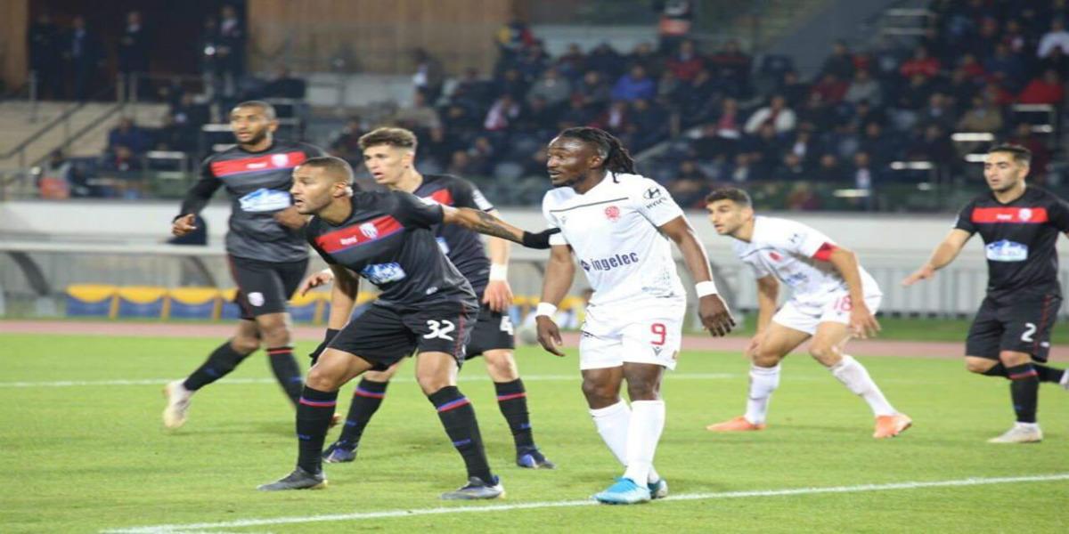 صورة كازادي يخطف الأضواء في أول ظهور وجماهير الوداد متفائلة بمستقبله مع الفريق