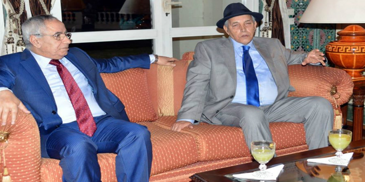 صورة سفير المملكة المغربية بالجزائر يُقيم مأدبة عشاء على شرف بعثة الرجاء