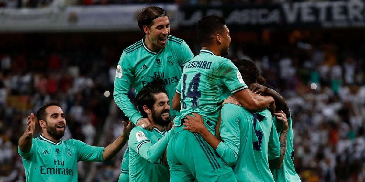 صورة ريال مدريد يكتسح فالنسيا بثلاثية ويعبر لنهائي السوبر الإسباني