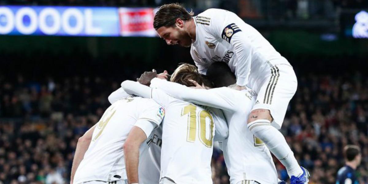 Photo of إدارة ريال مدريد تقرر الاستغناء عن نجميها