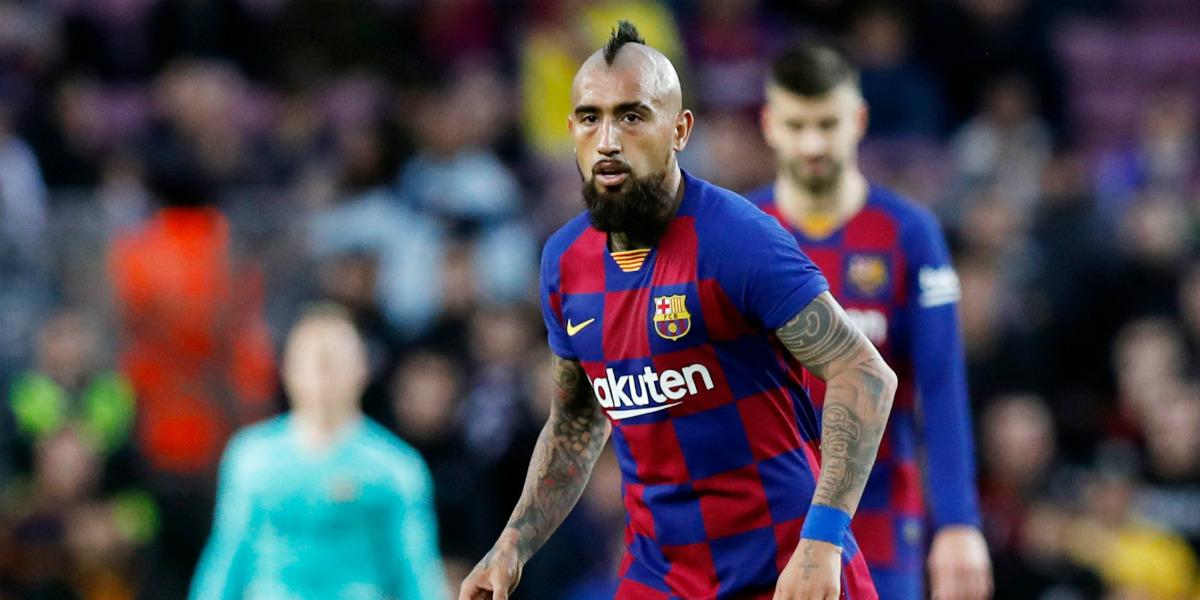صورة فيدال يحسم الجدل بخصوص مستقبله مع برشلونة