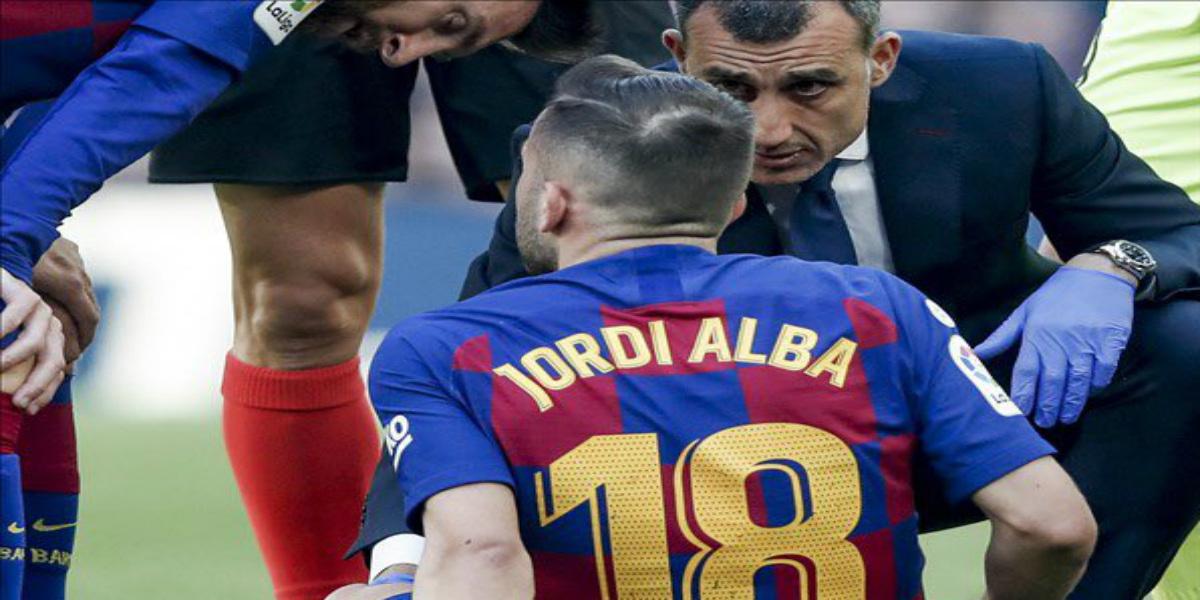 صورة برشلونة يكشف عن الحالة الصحية لجوردي ألبا