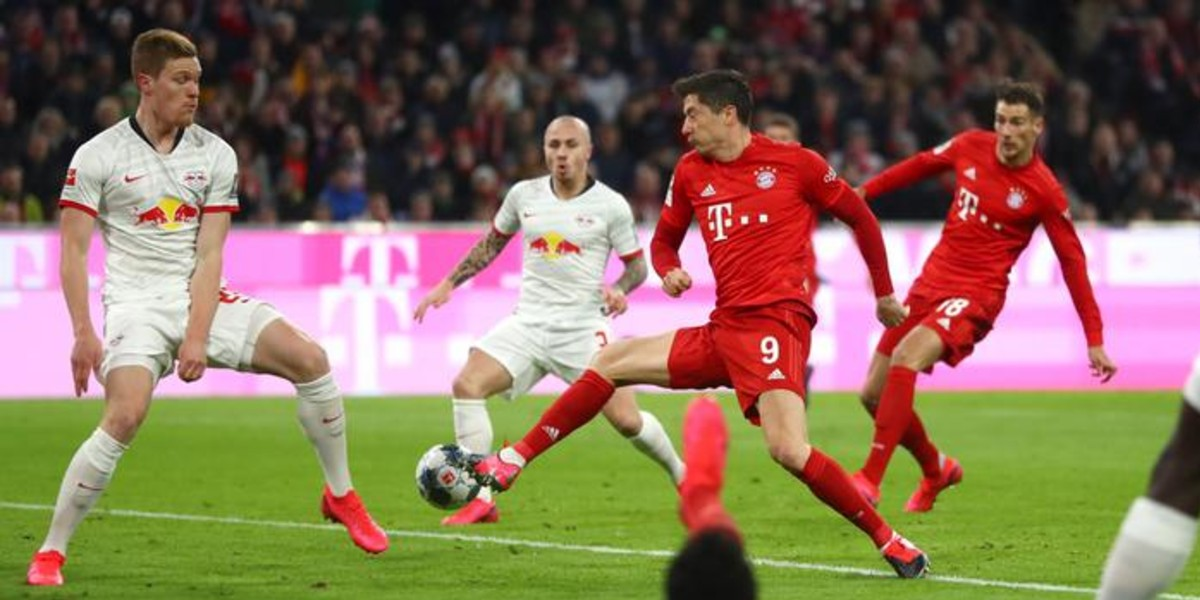 صورة بايرن يحتفظ بصدارة الدوري الألماني رغم تعادله مع لايبتسيغ