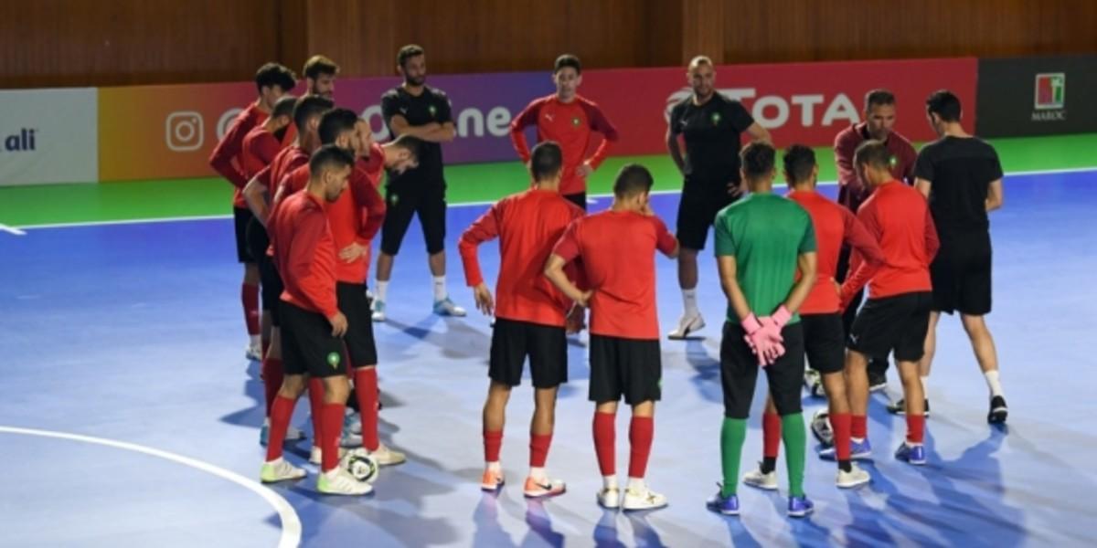 """صورة أسود """"الفوتسال"""" يخوضون آخر حصة تدريبية قبل نهائي كأس إفريقيا"""