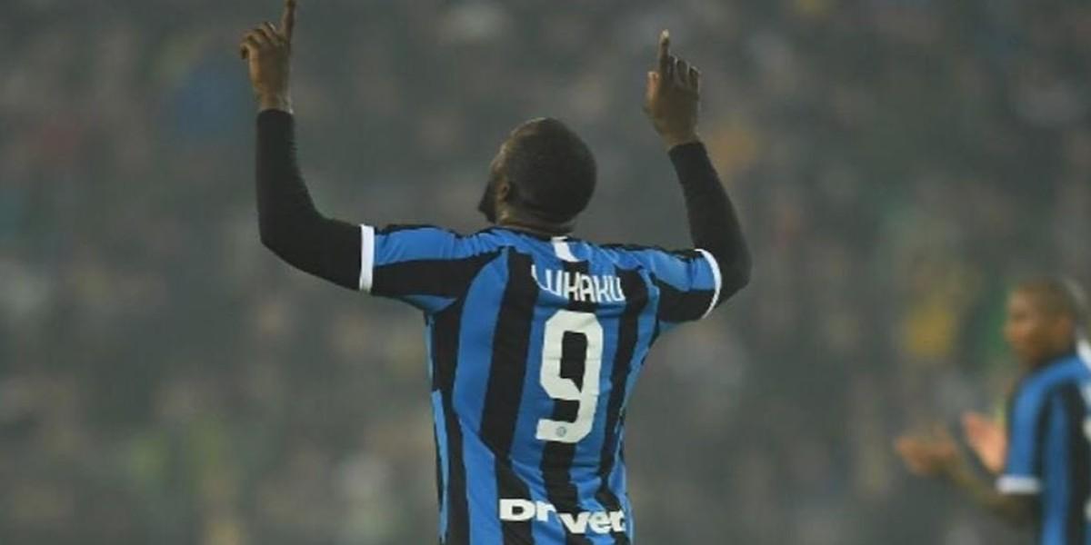 صورة لوكاكو يظفر بجائزة أفضل لاعب في الدوري الأوروبي