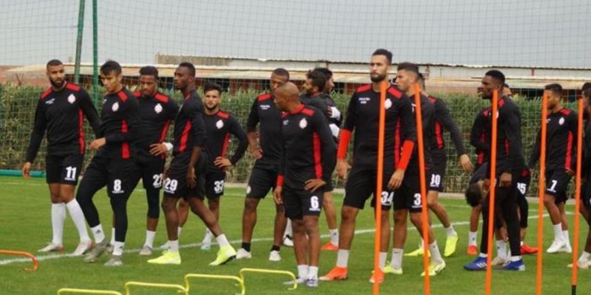 Photo of إلى جانب الناهيري وكركاش لاعب ودادي يتخلف عن معسكر أكادير