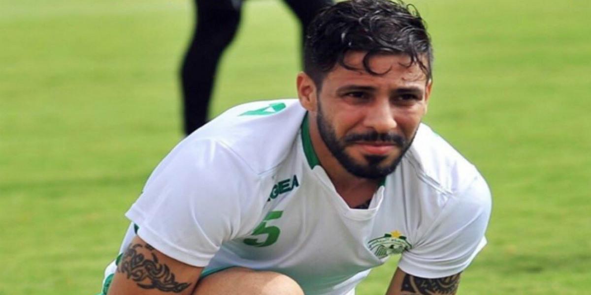 Photo of متولي يعلن تكفله بعدة عائلة على غرار مجموعة من اللاعبين