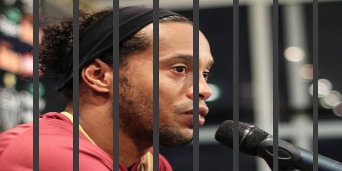 صورة رونالدينيو يستغل تواجده في السجن بتعلم حرفة جديدة